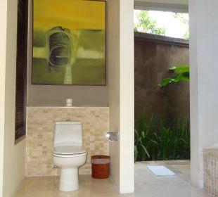 Eines der Badezimmer in unserer Villa The Ahimsa Beach