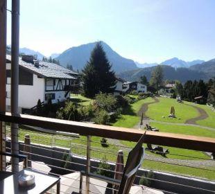 Blick aus Iller 1 in den Garten Hotel Exquisit
