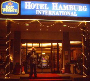 Hoteleingang Best Western Hotel Hamburg International