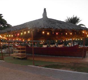Buffet am Strand Hotel Flamingo Beach Resort