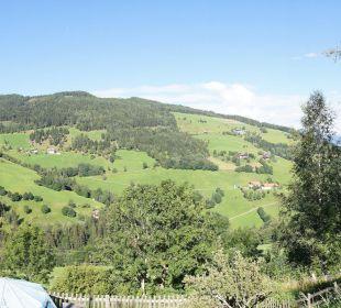 Panorama gegenüberliegender Hügel Sportbauernhof Hochalmblick
