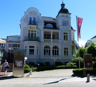Suite 251, 1.Etage Balkon mitte und rechtes Fenste Vier Jahreszeiten Kühlungsborn -  Hotel