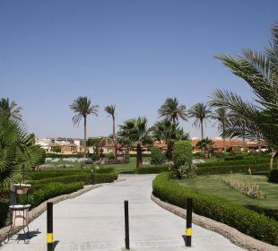 Weg durch die Anlage SUNRISE Select Royal Makadi Resort