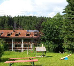 Vom, sehr schönen, Spielplatz aus gesehen Hotel Pfeiffermühle