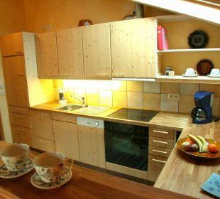 Große Holzküche mit viel Arbeitsfläche Ferienwohnung Haus Rosenrot
