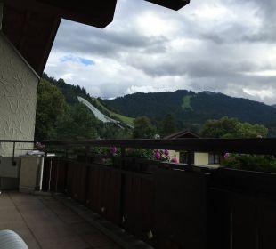 Ausblick zur Skisprungschanze Dorint Sporthotel Garmisch-Partenkirchen