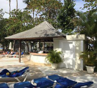 Pool Bar Grand Bahia Principe El Portillo