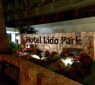 ..Eingangsbereich Universal Hotel Lido Park