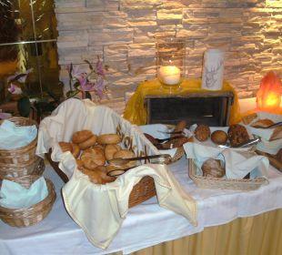 Brotauswahl am Frühstücksbuffet Hotel Silbertal