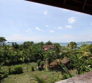 Rumah Isah - Blick von der Aussichtsterrasse Nusa Indah Bungalows & Villa