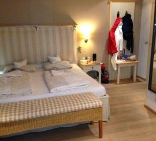 Bett und Garderobe Gmachl im Turm Hotel Staudacherhof