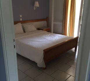Schlafzimmer Nr. 1 (Studio) Hotel Acharavi Beach