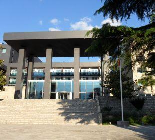 Eingang Hotel Avala