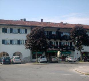 Seitliche Ansicht des Hotels Hotel Bellevue