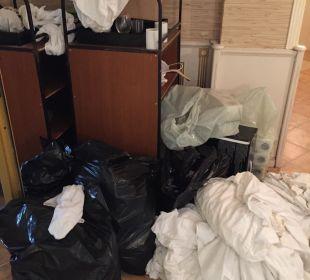 Müll der in der Woche einfach nur dagegen wurde! Victoria Palace Hotel & Spa