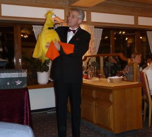 Bauchredner Magic Charls beim Silvesterauftritt WellVital Hotel Tyrol