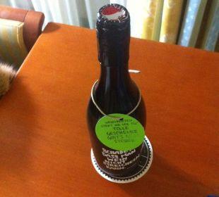Die leere Flasche Wein, herzlichen Dank auch Hotel Wiesler