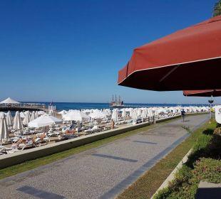 Strandpromenade Barut Arum