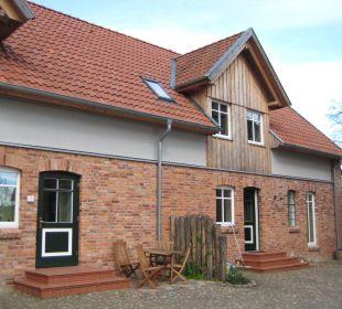 Links Ferienwohnungen, rechts Wohnhaus Familotel Landhaus Averbeck