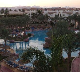 Widok na basen Hotel Tropicana Azure Club