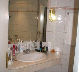 Bad, Waschbeckenbereich im Hotel Donnerhof Hotel Donnerhof