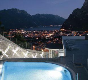 Super Aussicht ob am Tag oder Nacht Hotel Agritur Acetaia Gourmet & Relax