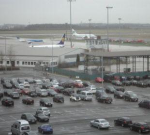 Rollfeld Flughafen Holiday Inn Express Hotel Bremen Airport