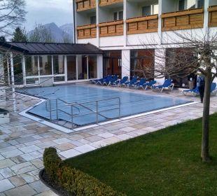 Beheizter Außenpool Alm- & Wellnesshotel Alpenhof