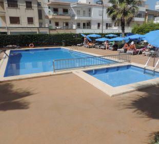 Pool Sicht 1 JS Hotel Sol de Can Picafort