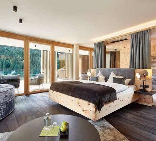 Spirit of Tauern - Zirbensuite Alpin Life Resort Lürzerhof