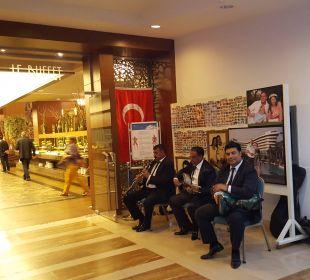Eingang zum Hauptrestaurant Hotel Concorde De Luxe Resort