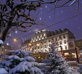 Aussenansicht Winter Hotel Schweizerhof Luzern