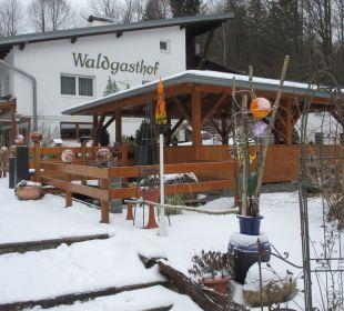Außenansicht Hotel Scharnagl mit Waldgasthof