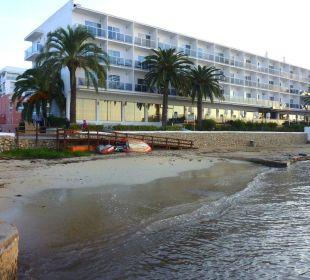 Kleiner Wasserzugang vor dem Hotel Hotel Simbad