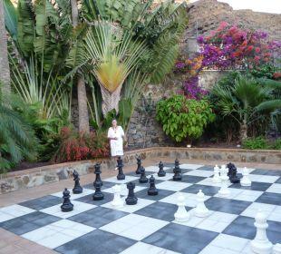 Jeu d'échec géant dans les jardins Hotel Cordial Mogán Playa