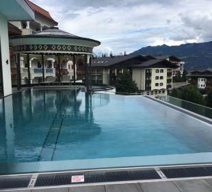 Dachterrasse mit Infinity Pool Alpina Family, Spa & Sporthotel