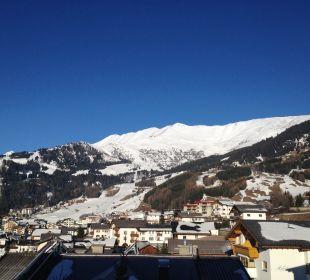 Uitzicht op de piste Hotel Alpenroyal