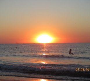 Sonnenuntergang genau vorn Hotel Hotel Neptun