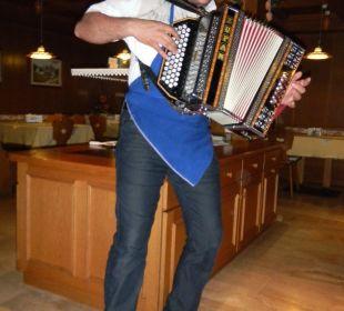 Unterhaltung durch Wirt Berglandhotel Untertheimerhof