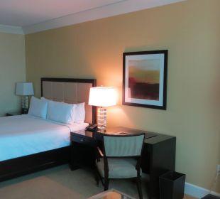 Bett und Schreibtisch Hotel Trump International
