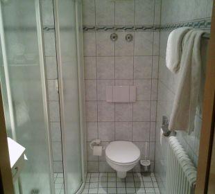 Dusche und WC Hotel Zu den Drei Kronen