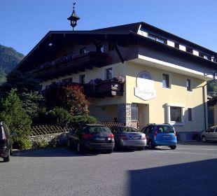 Neue Aussenfassade mit neuem Schild Pension St. Georg