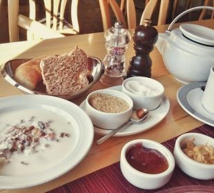 Frühstück  Pensiun Chesa Pool