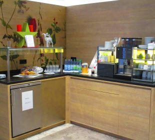 Lounge mit Gratis-Getränken SORAT Hotel Saxx Nürnberg
