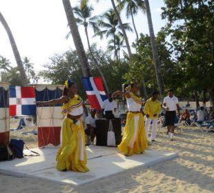 Dom. Rep. Abend am Strand Dreams La Romana Resort & Spa