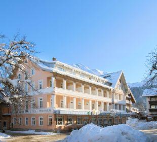 Das verschneite Hotel Mohren mitten in Oberstdorf Hotel Mohren