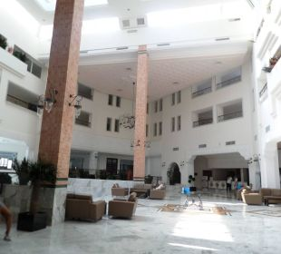 Recepcja Hotel Vincci Marillia