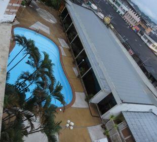 Ausblick vom Zimmer auf den Pool Hotel Wiang Inn