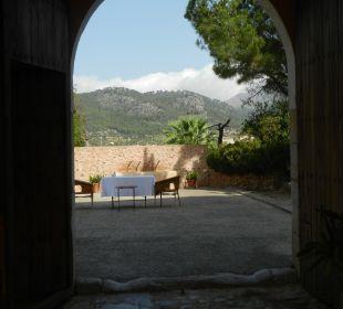 Vom Innenhof zum Brunnen Finca Son Esteve