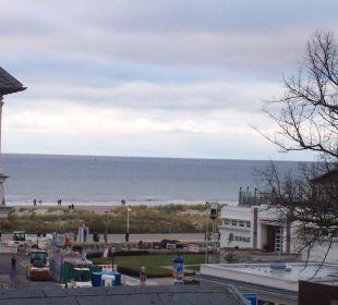 Blick in Richtung Ostsee  KurparkHotel Warnemünde